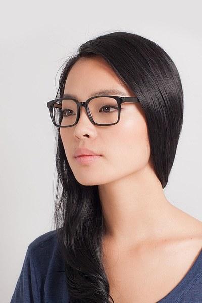 Claudia - men model image