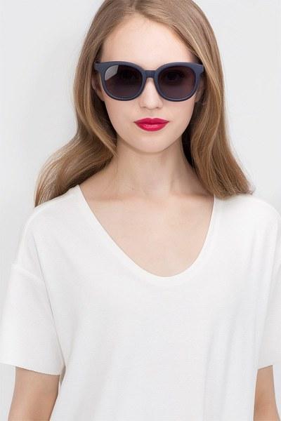 Elena - men model image